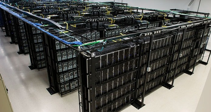 Image of Liquid Web servers and datacenter