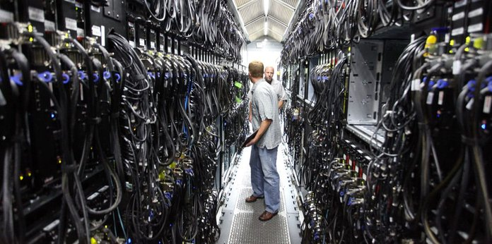Image of IT employees in a datacenter