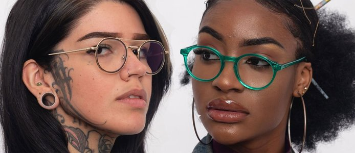 Models wearing the Vega and Nova frames