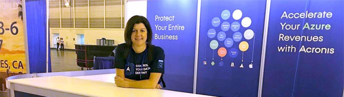Employee at the Acronis booth at HostingCon 2016