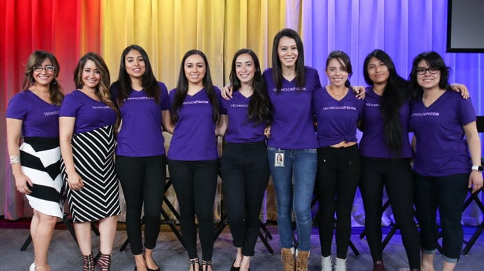 Group photo of TECHNOLOchicas